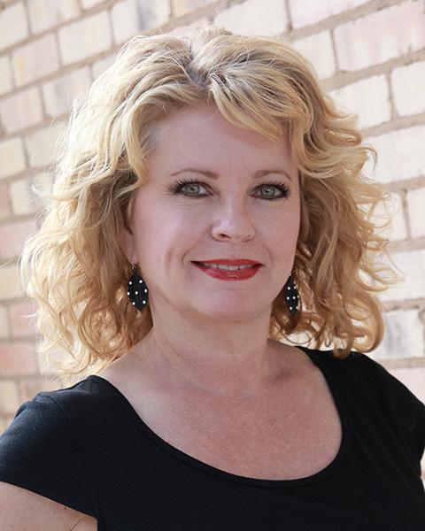 cedar-park-tx-hair-stylist-Wendy-Wolfe-copy.jpg