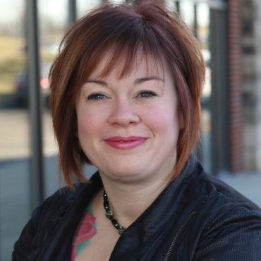 miamisburg-oh-hair-stylist-Nikki-Stratton.jpg